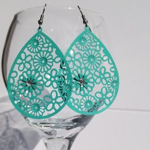 NEW Boho Chic Beach Flower Dangle Fashion Earring